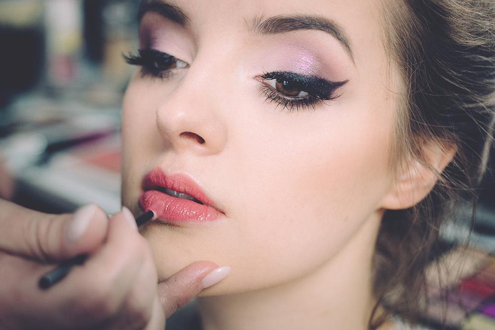 Make Up - Glam Beauty Salon